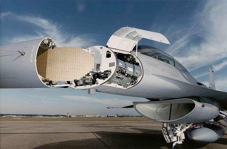 Mo xe tiem kich F-16 TNK ban ha may bay Su-24 Nga - Anh 11