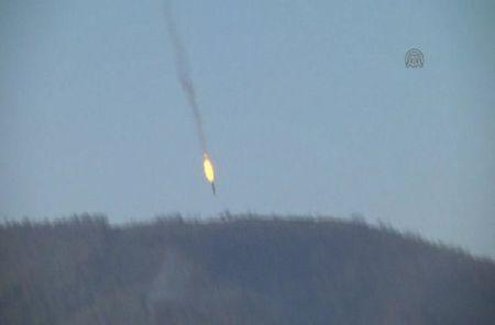 Mo xe tiem kich F-16 TNK ban ha may bay Su-24 Nga - Anh 2