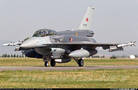 Mo xe tiem kich F-16 TNK ban ha may bay Su-24 Nga - Anh 6