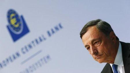 ECB se tam dung QE vao dip Giang sinh - Anh 1