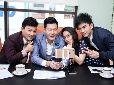 Quang Dung va Quang Linh sang My tim kiem tai nang bolero - Anh 1