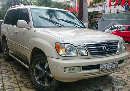 Xe Lexus nghi nhap lau trong khach san Da Nang 2 thang - Anh 1