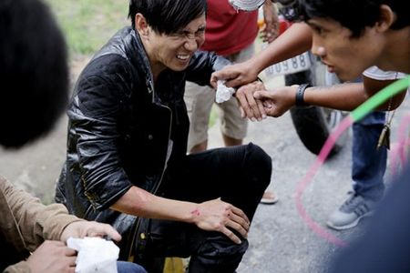 Ly Hai suyt mat mang tren phim truong - Anh 2