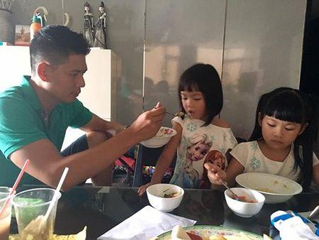 """Facebook sao 26/11: Phan Nhu Thao """"dim hang"""" ong xa - Anh 4"""