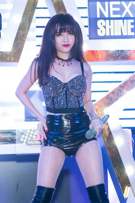 Tuyet ky khoe chan cua cac my nu lang nhac Viet - Anh 13