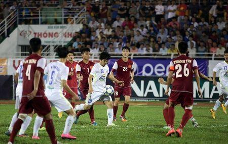 Clip Cong Phuong tai hien sieu pham vao luoi U19 Australia - Anh 1