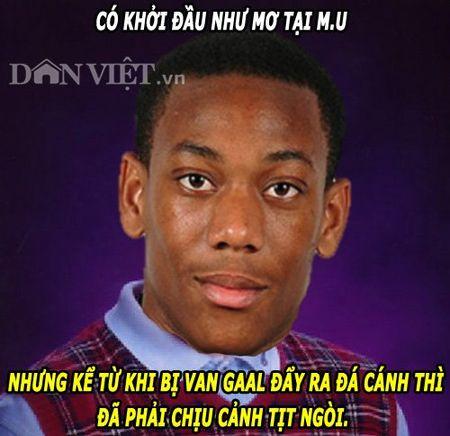 """ANH CHE: Martial """"tit ngoi"""" vi Van Gaal, M.U thanh """"lieu thuoc ngu"""" - Anh 1"""