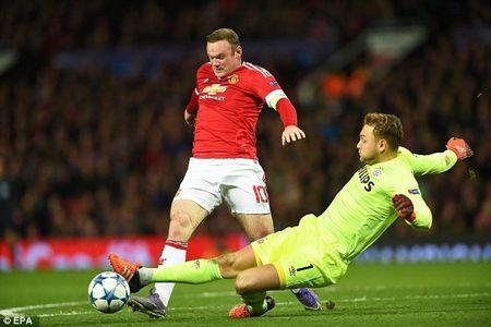 Hoa vo hon truoc PSV, Man United rong cua du Europa League - Anh 1
