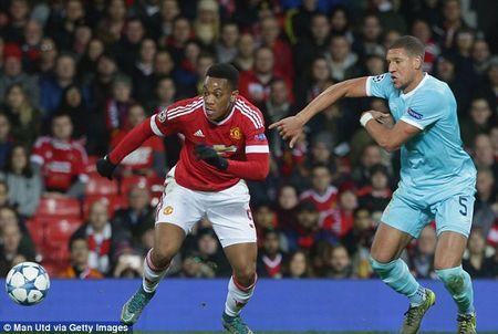 Hoa vo hon truoc PSV, Man United rong cua du Europa League - Anh 2