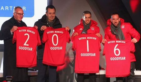 "Bayern Munich tiep tuc don tai tro ""khung"" - Anh 1"
