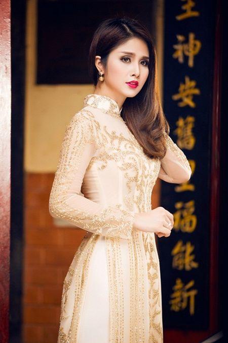 """Hanh trinh hoa than tu """"vit"""" thanh """"thien nga"""" cua ba xa vua ly hon Thanh Binh - Anh 13"""