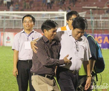 Xuc dong nhin bo tien ve Xuan Truong chuc mung chien thang con trai - Anh 6
