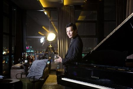 Ben trong can penthouse pha le dat nhat nhi SG cua Tran Bao Son - Anh 11