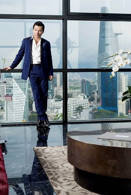 Ben trong can penthouse pha le dat nhat nhi SG cua Tran Bao Son - Anh 1