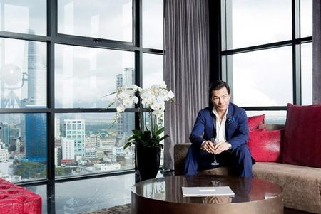 Ben trong can penthouse pha le dat nhat nhi SG cua Tran Bao Son - Anh 3