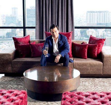 Ben trong can penthouse pha le dat nhat nhi SG cua Tran Bao Son - Anh 4