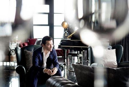 Ben trong can penthouse pha le dat nhat nhi SG cua Tran Bao Son - Anh 5