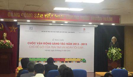 Dai su quan Dan Mach Trao giai Cuoc Van dong sang tac cho thieu nhi 2013 – 2015 - Anh 1