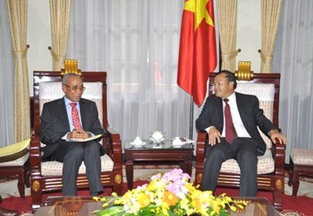 Lanh dao Bo Ngoai giao tiep Dai su Angola va Seychelles - Anh 1