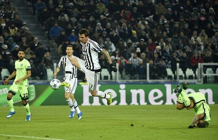 "Yaya Toure tin Juventus ""an may"" moi ha Man City hai lan - Anh 1"
