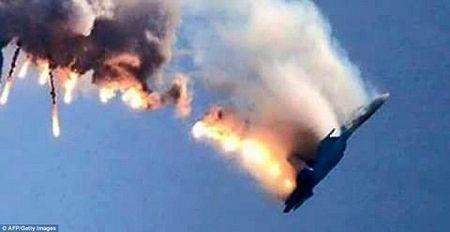 Su-24 bi ban ha: 12 gio tim duong song sot cua phi cong Nga - Anh 2