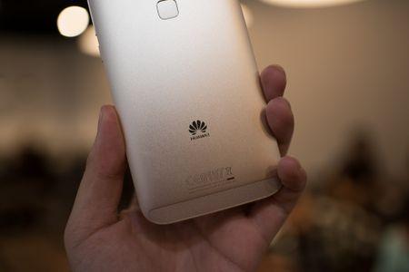 Tren tay Huawei G7 Plus/Huawei G8 - Anh 11