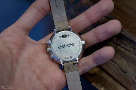 [Tren tay] Dong ho Pebble Time Round: Dep tinh te nhung gia hoi cao - Anh 9