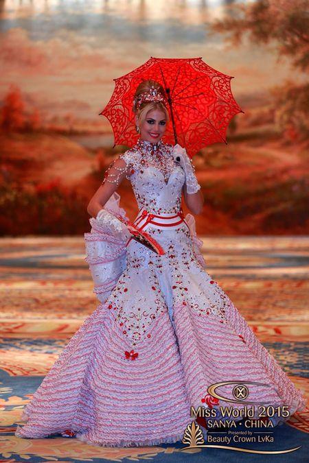 Lan Khue noi bat giua dan nguoi dep tai Miss World - Anh 3