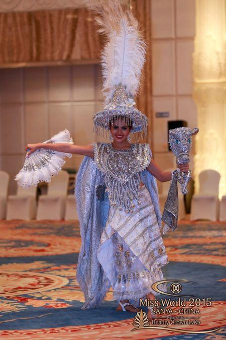 Lan Khue noi bat giua dan nguoi dep tai Miss World - Anh 4