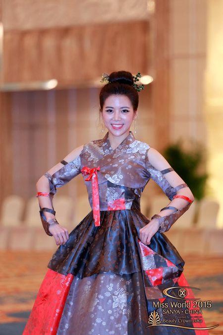 Lan Khue noi bat giua dan nguoi dep tai Miss World - Anh 5