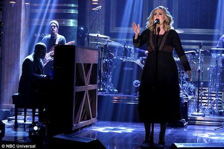 Adele kiem duoc hon 1,5 ti dong/ngay - Anh 1