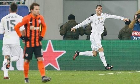 Video ban thang luot tran thu 5 Cup C1: Shakhtar 3-4 Real Madrid - Anh 1