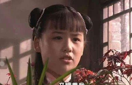 'Ban gai' Hoac Kien Hoa xinh tu thoi tho be - Anh 2