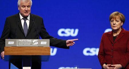"Ba Merkel nhan ""trai dang"" vi chinh sach mo cua cho nguoi ti nan - Anh 1"