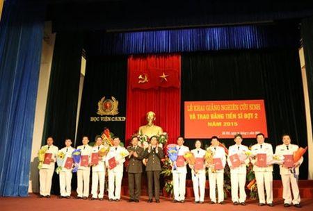 Hoc vien CSND khai giang nghien cuu sinh va trao bang Tien si - Anh 1