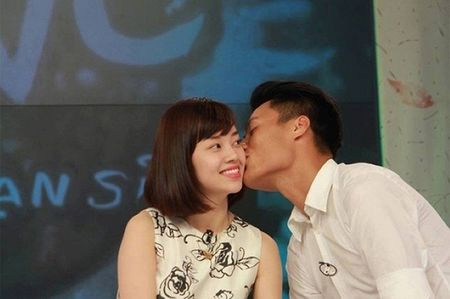 Chuyen tinh cau thu va my nhan Viet: Nguoi hanh phuc, ke 'dut ganh' - Anh 11