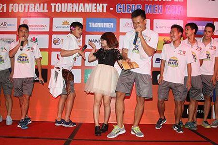 "Cong Phuong & U21 HAGL ""quay"" voi hit ""Vo nguoi ta"" - Anh 10"