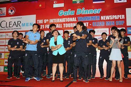 "Cong Phuong & U21 HAGL ""quay"" voi hit ""Vo nguoi ta"" - Anh 4"