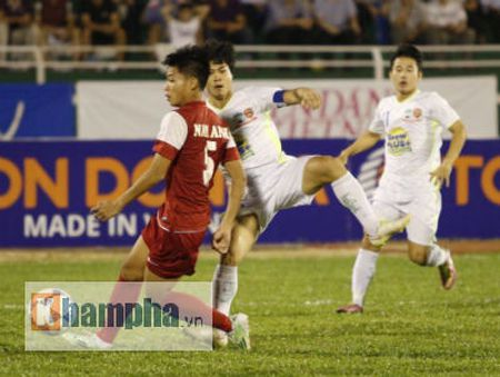 TRUC TIEP U21 VN – U21 HAGL: Danh mat loi the - Anh 3
