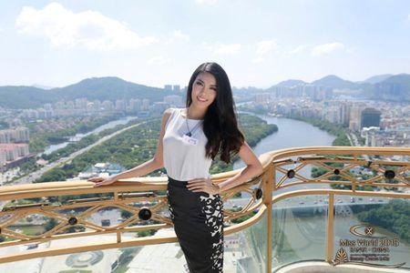 Lan Khue xuat hien noi bat nhung ngay dau o Miss World - Anh 1
