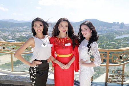 Lan Khue xuat hien noi bat nhung ngay dau o Miss World - Anh 2