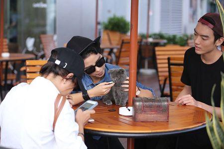 Vu Cat Tuong xuat hien than mat ben ban trai - Anh 6