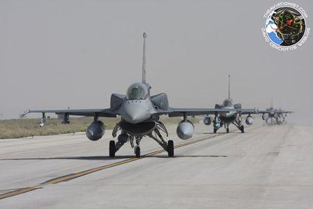 [ANH] Suc manh cua F-16 trong bien che khong quan Tho Nhi Ky - Anh 4