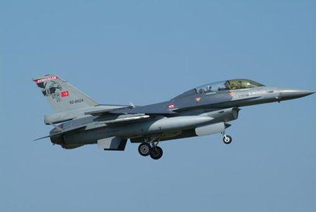[ANH] Suc manh cua F-16 trong bien che khong quan Tho Nhi Ky - Anh 5