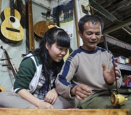 """Ong chu quan chao long va dam me """"duong nhac tren go"""" 45 nam - Anh 2"""