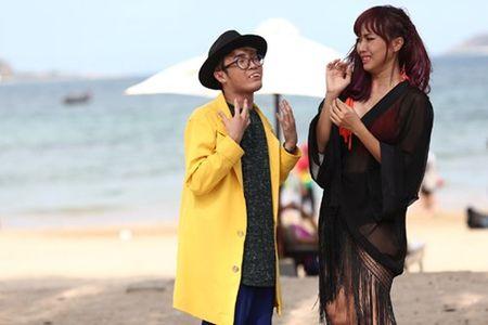 Bao Lam xui Dieu Nhi dan mat phong vien bang…chuoi - Anh 11