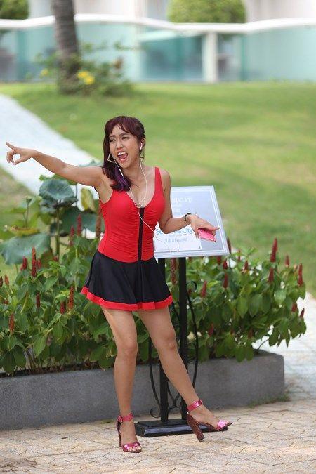 Bao Lam xui Dieu Nhi dan mat phong vien bang…chuoi - Anh 5