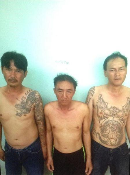 Triet xoa bang nhom chuyen dan canh trom tai san cua nguoi di oto - Anh 1