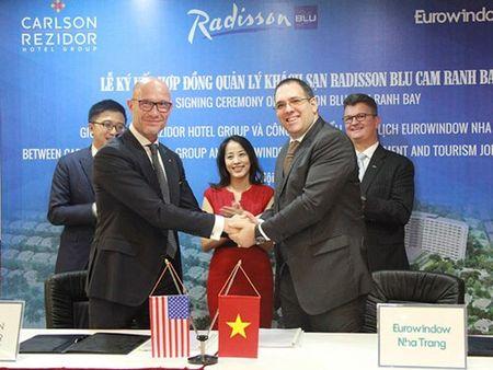 Eurowindow Nha Trang ky hop dong voi tap doan quan ly khach san hang dau the gioi - Carlson Rezidor Hotel Group - Anh 1