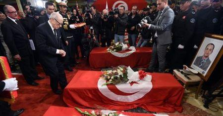 Nha nuoc Hoi giao nhan trach nhiem vu tan cong xe buyt o Tunisia - Anh 1